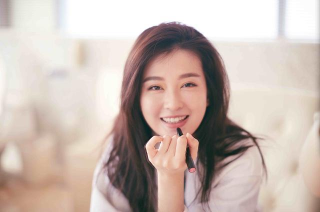 自小就相识的明星,韩东君乔欣是发小,王祖蓝与她是小学同学
