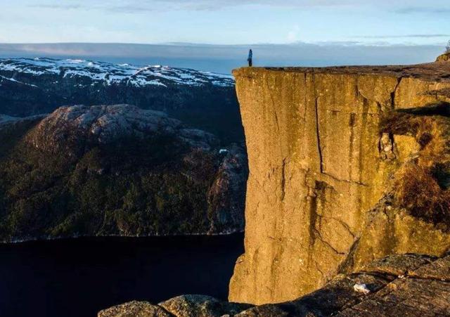 """全球最""""危险""""的5大景点,除长空栈道外,我国还有一个景点上榜"""
