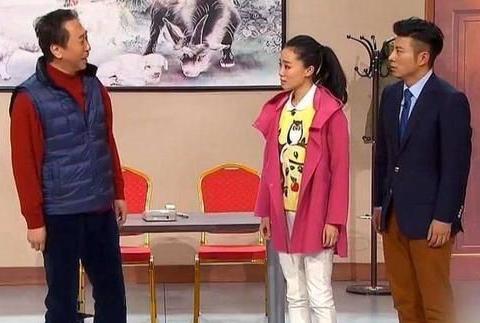 曾经上过4次春晚不红 她是冯巩女儿 如今被34岁的贾玲带火