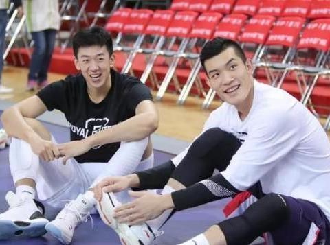 没有输家!郭凯与王少杰两代状元硬碰硬 他们都是大学生球员榜样