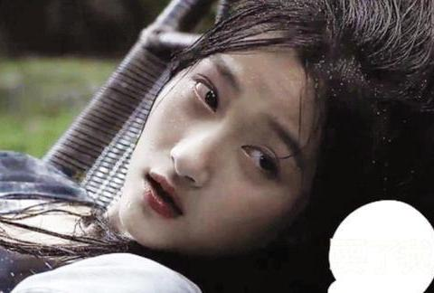 """表演关晓彤""""青萍公主"""",离开张艺谋镜头,动作间隙一目了然"""