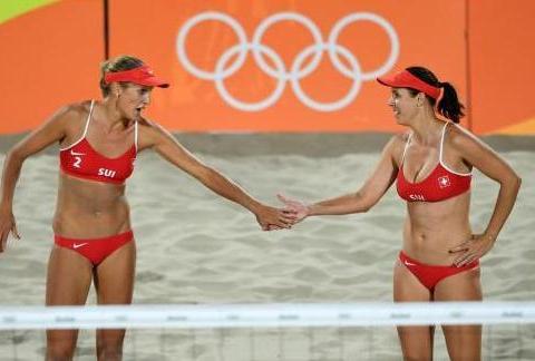 """为何沙滩女排要穿""""比基尼""""比赛?难道不怕走光?两点原因太真实"""