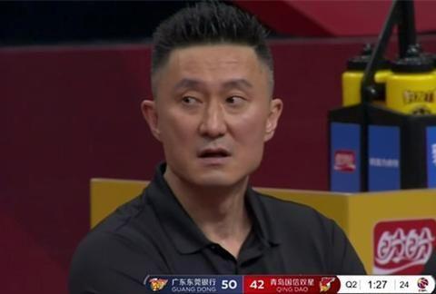 广东男篮险胜青岛队,杜峰有苦难言,这个买卖赔大了!