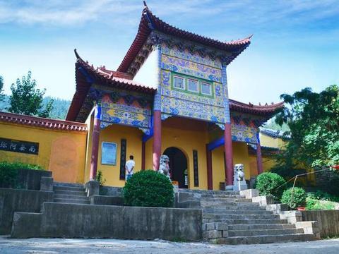 北京被忽略的寺庙,夹在慕田峪长城和红螺寺景区之间,有千年历史