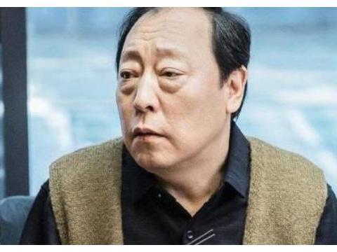 """倪大红妻子曝光,""""藏""""了多年的才女老婆,竟和倪萍有这层关系!"""