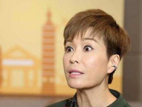 52岁富豪翁江培迎娶21岁伍咏薇,婚后13天离开人世