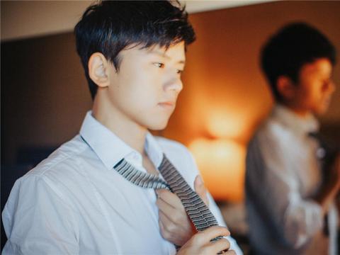 华语男歌手热度榜单大洗牌,低调王者张杰空降,花花重登榜首
