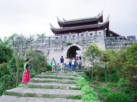 现在很多人宁愿去贵州旅游,也不愿意去云南旅游,这是为什么呢?