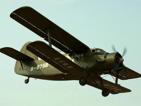 还没电动车快,这架老古董飞机为何至今仍在飞翔,一绝活创优势