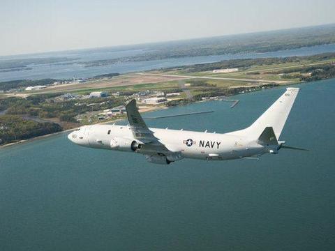 搜寻东风-21D?美侦察机破天荒逼近至60海里 掩护航母战斗群