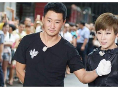 谢楠被吴京追到手已28岁,看到她之前的旧照,才明白吴京用心良苦