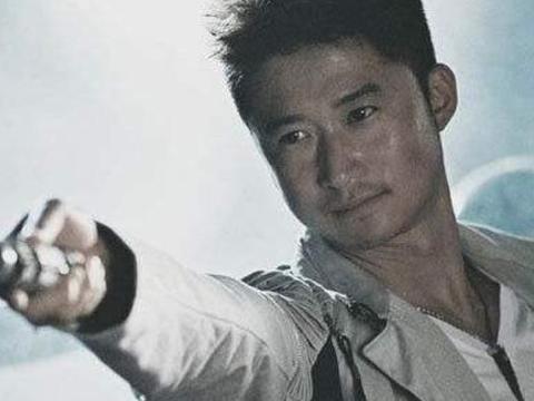 """打断李连杰手臂,一脚""""踢飞""""吴京,没人和他拍打戏,现在成这样"""