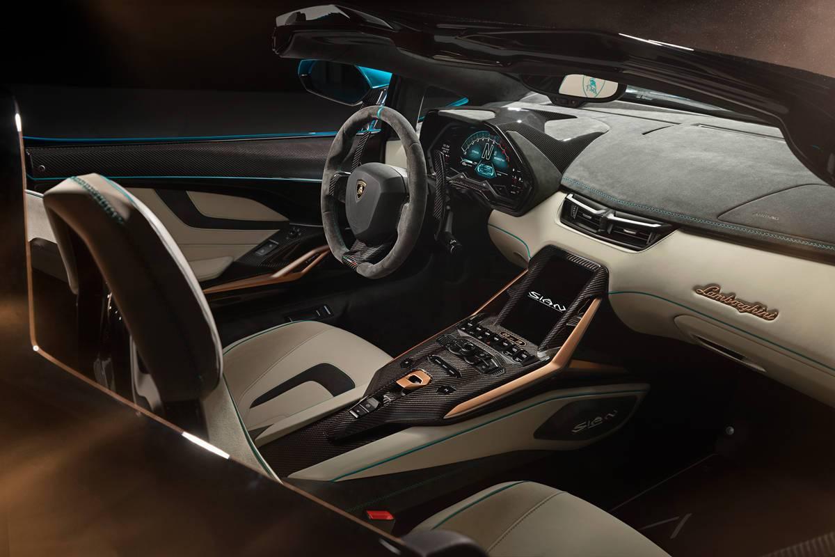 极速的天花板 兰博基尼限量版V12敞篷超级跑车 Sián