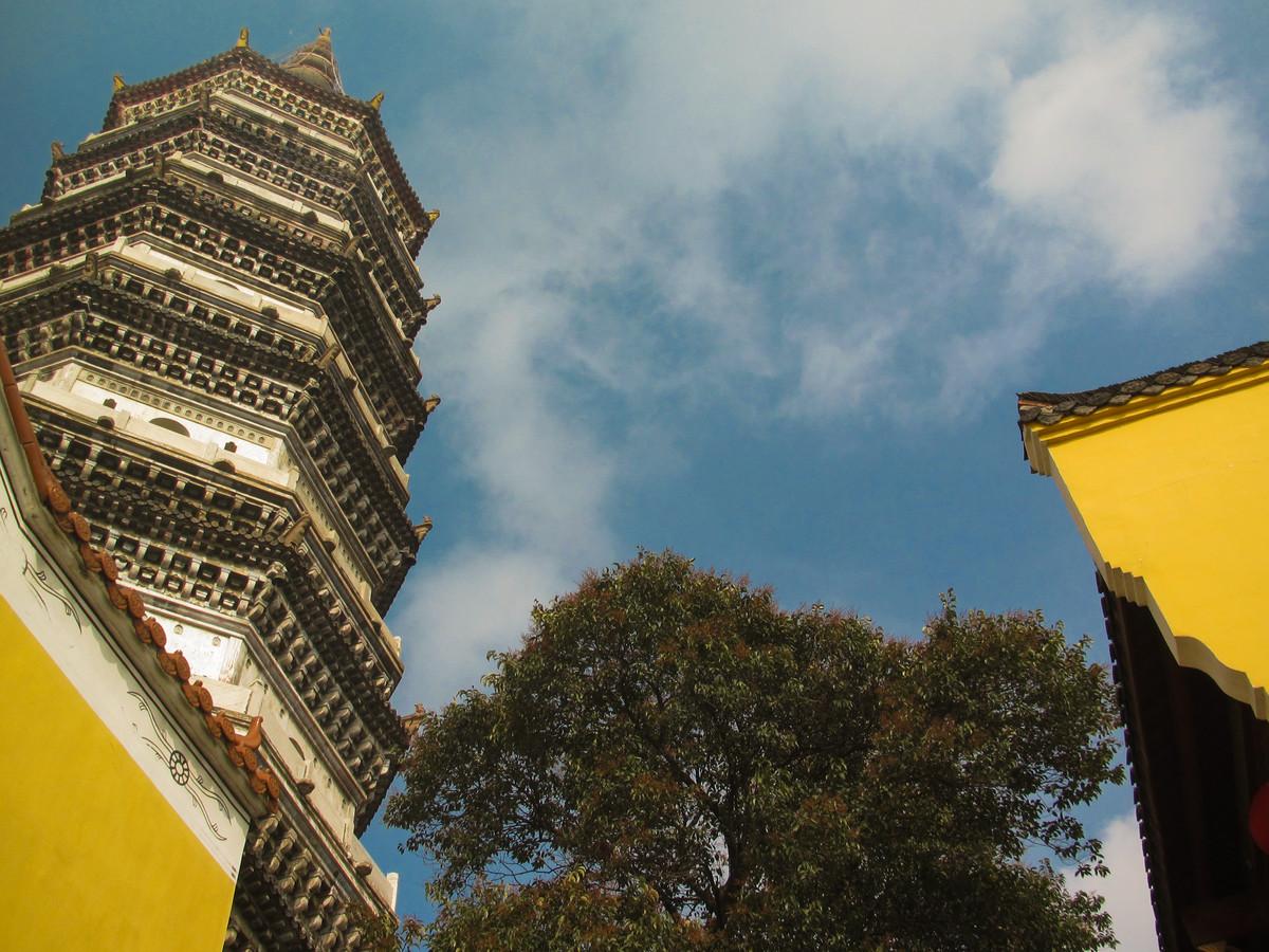 安徽一座濒临长江的古塔,是全国重点文物保护单位,有百年多历史
