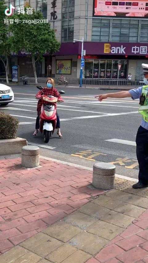 近期交管部门加大对电动自行车违法行为查处力度……