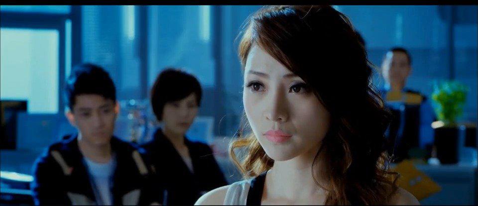 电影《不二神探》柳岩惊艳出场,是真的惊艳!