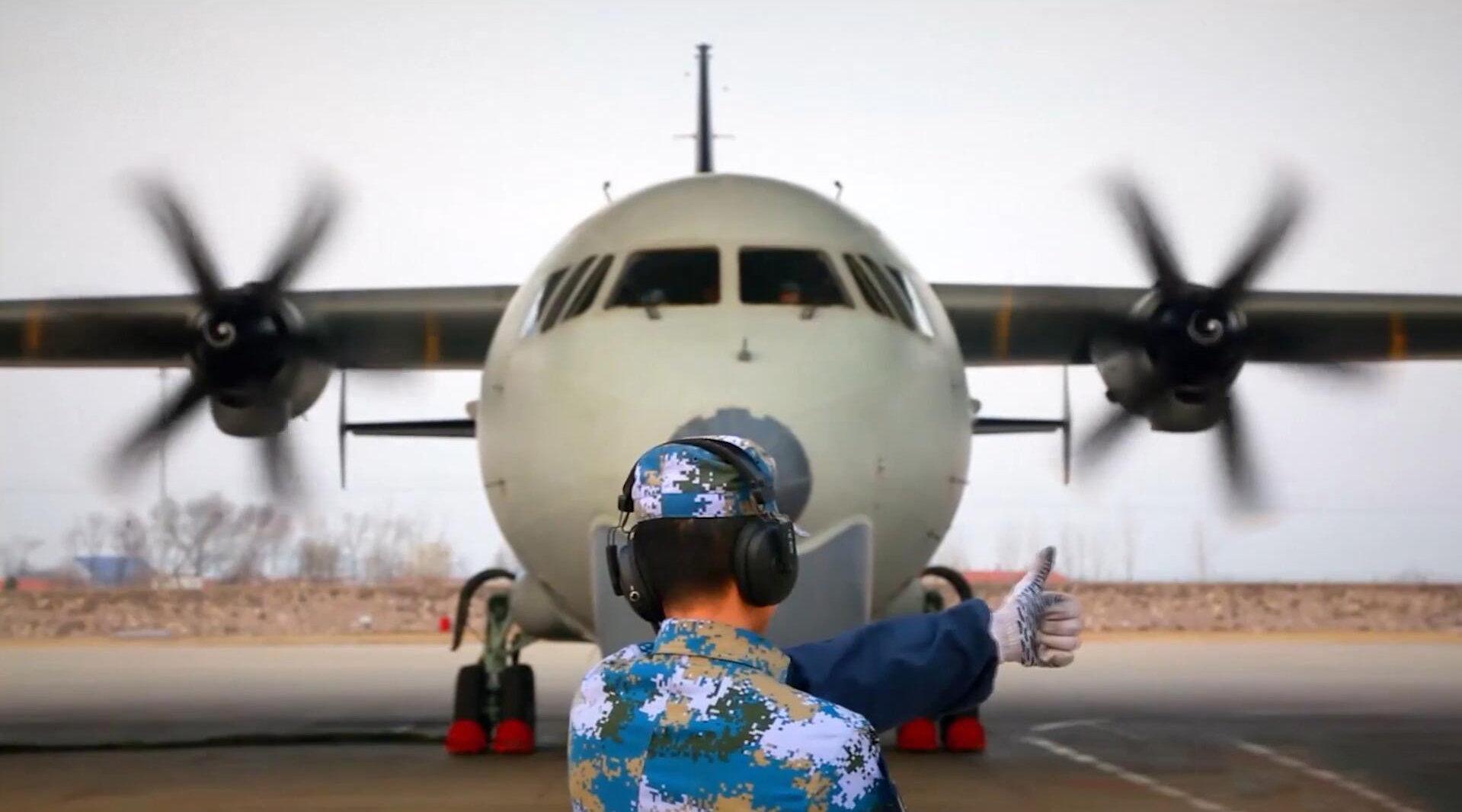 超燃卡点:带你感受海天猎鹰,中国海军航空兵! VIA.人民海军