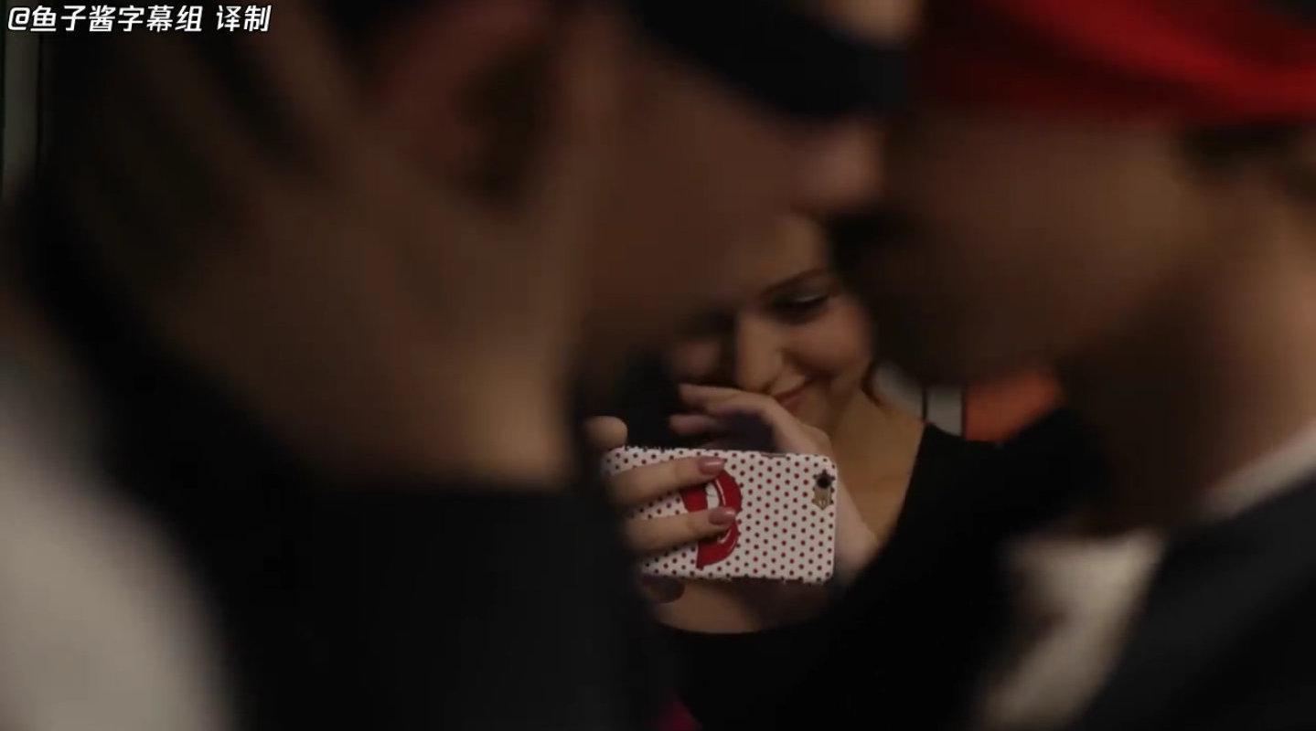 鱼子酱爆笑俄剧伊万诺夫一家第13集:丹尼尔万尼亚接吻了?