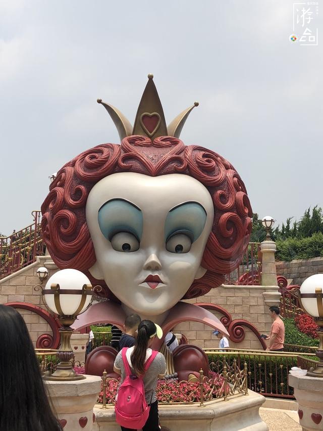上海迪士尼推荐:极速光轮和加勒比海盗必玩,能在城堡变身公主