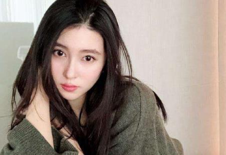 甩掉王思聪,榨干刘晓宇,身为网红的她到底凭什么?