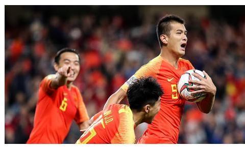 下午18点!国足传喜讯:李铁正酝酿超级计划,中国进世界杯恐难阻挡