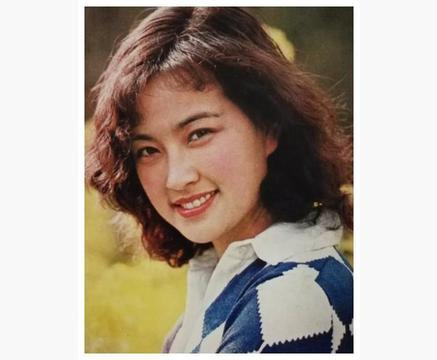 """红了30年65岁娱乐界的不老女神,国家一级演员刘晓庆直播""""翻车"""""""
