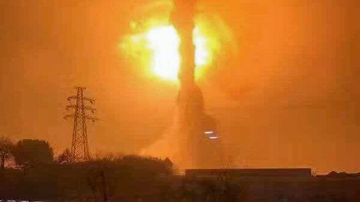 """四川一鞭炮厂发生爆炸,现场腾起""""蘑菇云"""",2人重伤丨DV现场"""