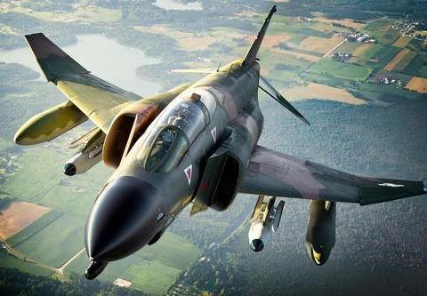F-4鬼怪战机,因技术太超前,而导致作战能力往往陷入困局