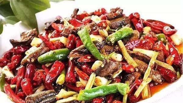 夏季美食推荐:干煸土鳝鱼、特色烧牛筋、蒜蓉金针菇烤花蛤虾做法