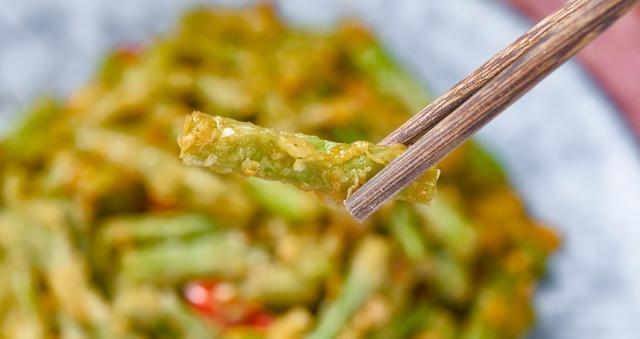 此菜钙是猪肉5倍,蛋白质是番茄3倍,比西兰花热量还低,越吃越瘦
