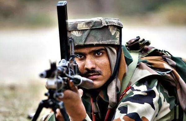 """将枪口对准自己人!边境冲突关键时刻,印度士兵打响了""""第一枪"""""""