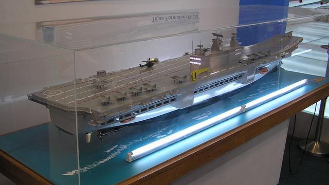 趁着拉达克危机,印度海军紧急推出新航母计划:上美国电磁弹射器