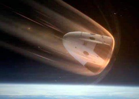 当宇宙飞船返回地球时,为何要不惜燃烧的代价来高速穿过大气层?