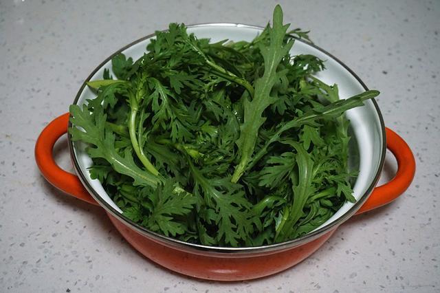 """它被称为""""皇帝菜"""",胡萝卜素的含量极高,极其适合肠胃不好的人"""