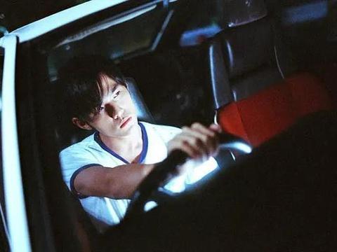 """15年前,周杰伦携手陈冠希,拍出了中国最火辣的""""飙车""""电影"""