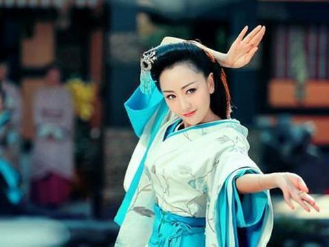 古装美女跳舞瞬间,刘诗诗美呆了,杨颖个性美,看到张檬黑天鹅?