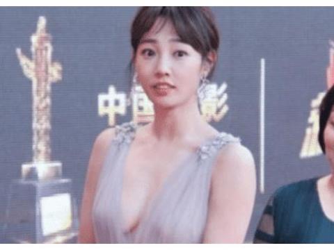 """白百何为啥被称""""女版陈冠希""""?原来因为""""吐舌头"""",真是让人想不到"""