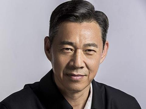 张丰毅和吕丽萍5年都没把儿媳捧红,没想到被靳东一部剧带火了