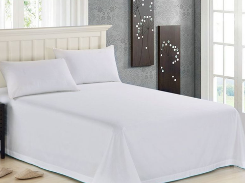 为什么宾馆床上用品大多是白色,不怕滴上东西吗?服务员透露猫腻
