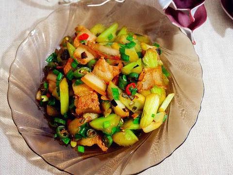 精选美食:清香蔬菜汤 、炒山药西兰花、风味素食火锅、小炒芹菜