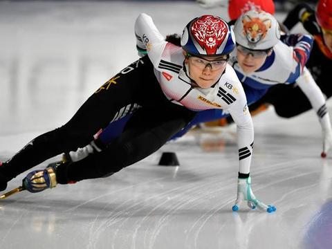 韩国铁人三项赛女明星被队医教练虐待自杀,被猛抽耳光还打断肋骨