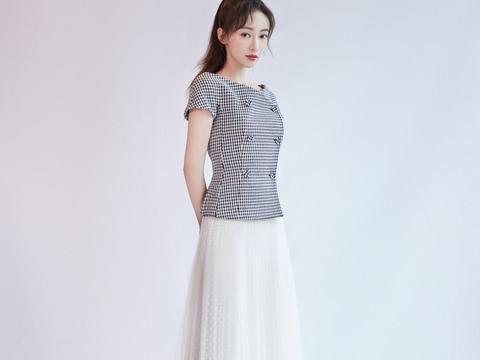 夏季也要极简风,吴谨言穿搭很时髦,适合高级风的小姐姐照搬