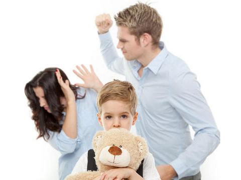 孩子动手打人,父母不要破口大骂,这种做法非常不妥