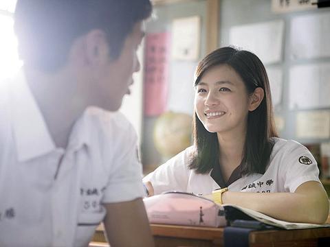 """孩子""""早恋""""怎么办?如果在学校谈恋爱,会对中考和高考产生影响"""