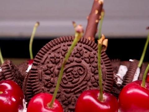 冰淇淋生日蛋糕?夏天天气炎热,用凉爽的冰激凌来代替厚重的奶油