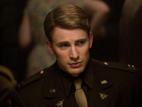 盘点美国队长在漫威电影7大精彩时刻:单挑灭霸,电梯大战九头蛇