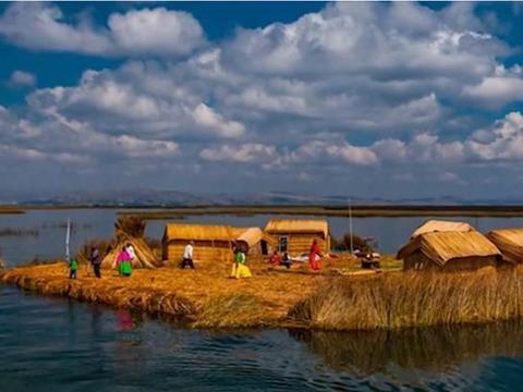 """全球最""""奇特""""的小岛,竟用草堆铺成,历经百年不沉还可住人"""