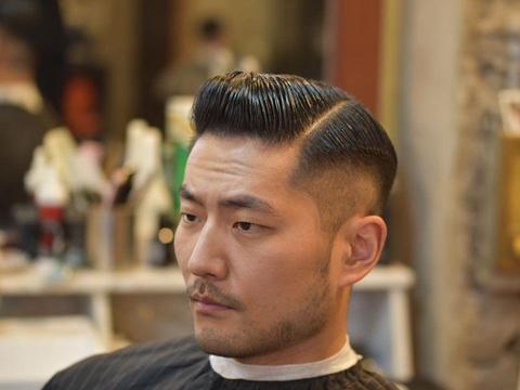 60年代的复古油头席卷时尚圈,只要适合,油头才是考验颜值的发型