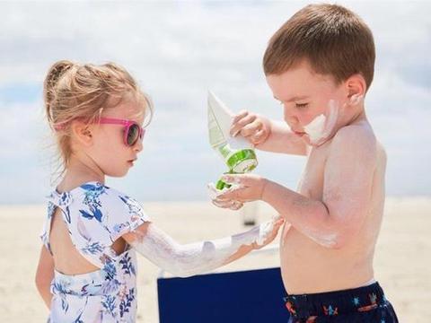 宝宝三岁前最好别猛晒,否则很容易引发皮肤病,教你几招科学防晒