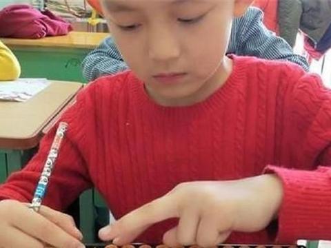 """""""天才""""少年,5岁参加世界大赛,8岁参军入伍,未来或大放异彩"""